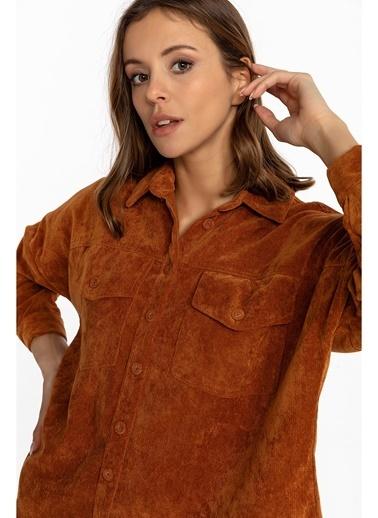 Tiffany&Tomato Cepli Arkası Uzun Ince Fitilli Kadife Gömlek-Tarçın Taba
